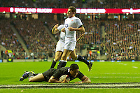 Julian Savea of New Zealand scores a try during the QBE Autumn International match between England and New Zealand at Twickenham on Saturday 01 December 2012 (Photo by Rob Munro)
