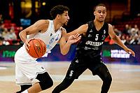 GRONINGEN - Basketbal, Donar - Apollo Amsterdam , Dutch Basketbal League, seizoen 2021-2022, 26-09-2021,  Donar speler Leon Williams met Apollo speler River Gori