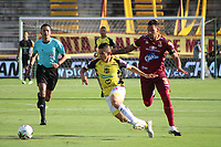 IBAGUE - COLOMBIA, 08-03-2020: Yeison Gordillo del Tolima disputa el balón con Jhair Castillo del Alianza durante partido entre Deportes Tolima y Alianza Petrolera por la fecha 14 de la Liga BetPlay I 2020 jugado en el estadio Manuel Murillo Toro de la ciudad de Ibagué. / Yeison Gordillo of Tolima struggles the ball with Jhair Castillo of Alianza during match between Deportes Tolima and Alianza Petrolera for the date 4 as part of BetPlay League I 2020 played at Manuel Murillo Toro stadium in Ibague. Photo: VizzorImage / Joan Orjuela / Cont