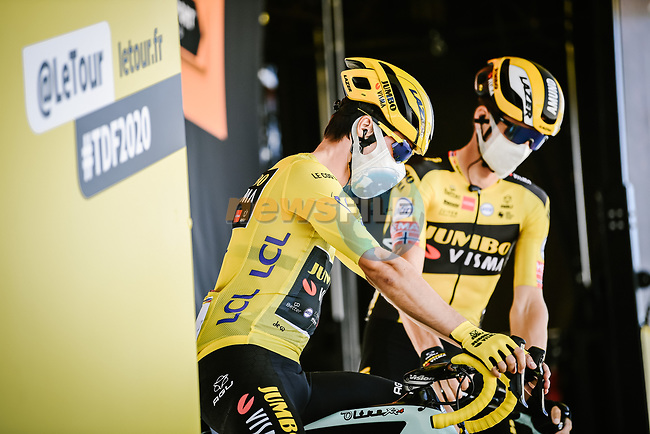 Race leader Primoz Roglic (SLO) Team Jumbo-Visma at sign on before the start of Stage 10 of Tour de France 2020, running 168.5km from Ile d'Oléron to Ile de Ré, France. 8th September 2020.<br /> Picture: ASO/Pauline Ballet | Cyclefile<br /> All photos usage must carry mandatory copyright credit (© Cyclefile | ASO/Pauline Ballet)