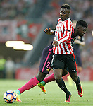 Athletic de Bilbao's Inaki Williams (f) and FC Barcelona's Samuel Umtiti during La Liga match. August 28,2016. (ALTERPHOTOS/Acero)