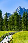 Italy, South Tyrol (Trentino - Alto Adige), near Sexten, district Moos: the picturesque Fischleintal (Val Fiscalina) at Drei Zinnen Nature Park (Parco Naturale Tre Cime), side valley of Sexten Valley (Valle di Sesto) - and Sexten Dolomites (Dolomiti di Sesto) with summit Einserkofel (Cima Una) | Italien, Suedtirol, bei Sexten, Ortsteil Moos: das malerische Fischleintal im Naturpark Drei Zinnen - ein Nebental des Sextentals - vor der Sextener Sonnenuhr m it dem Gipfel Einserkofel