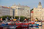 Puerto pesquero y Deportivo de La Coruña.