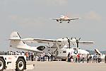 10.06.2010, ILA Internationalen Luftfahrt-Ausstellung ,Flughafen Schönefeld Berlin, GER, im Bild Eine Maschine der Easyjet landet auf der ILA Foto © nph / Hammes