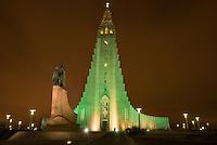 Hallgrims Church (Hallgrimskirkja) in Reykjavik. The church is the highest church in Island. In front of the church is a monument of the islandic America discoverer Leif Eriksson (Leifur Eiriksson).<br /> Hallgrims-Kirche (Hallgrimskirkja) in Reykjavik. Die Kirche ist das groesste Kirchengebaeude Islands.<br /> Vor der Kirche steht ein Denkmal des islaendischen Amerika-Entdeckers Leif Eriksson (Leifur Eiriksson).<br /> 17.3.2016, Reykjavik<br /> Copyright: Christian-Ditsch.de<br /> [Inhaltsveraendernde Manipulation des Fotos nur nach ausdruecklicher Genehmigung des Fotografen. Vereinbarungen ueber Abtretung von Persoenlichkeitsrechten/Model Release der abgebildeten Person/Personen liegen nicht vor. NO MODEL RELEASE! Nur fuer Redaktionelle Zwecke. Don't publish without copyright Christian-Ditsch.de, Veroeffentlichung nur mit Fotografennennung, sowie gegen Honorar, MwSt. und Beleg. Konto: I N G - D i B a, IBAN DE58500105175400192269, BIC INGDDEFFXXX, Kontakt: post@christian-ditsch.de<br /> Bei der Bearbeitung der Dateiinformationen darf die Urheberkennzeichnung in den EXIF- und  IPTC-Daten nicht entfernt werden, diese sind in digitalen Medien nach §95c UrhG rechtlich geschuetzt. Der Urhebervermerk wird gemaess §13 UrhG verlangt.]