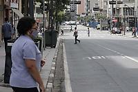 Campinas (SP), 17/03/2021 - Toque de recolher/Covid -  Movimentacao na Av Francisco Glicerio, nessa quarta-feira (17).  <br />O toque de recolher anunciado ontem (16) pela Prefeitura de Campinas (SP) pretende restringir ainda mais a quarentena de covid-19 na cidade, apos o colapso da rede de saude. A intencao na pratica e retirar a populacao da rua a partir das 20h ate as 5h, com abordagens policiais e fechamento de supermercados - que ate entao podiam funcionar sem restricao de horario. <br />A nova medida comeca amanha (18) e vale ate o dia 30 de marco, seguindo a fase emergencial no estado de Sao Paulo. (Foto: Denny Cesare/Codigo 19/Codigo 19)