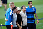 Leicester City FC's Kasper Schmeichel (l) and Leonardo Ulloa (r) with the club owners before training session. April 11, 2017.(ALTERPHOTOS/Acero)