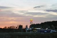 - Germany, MC Donald's restaurant in a rest stop along an highway in Bavaria....- Germania, ristorante MC Donald's in una area di ristoro lungo una autostrada in Baviera....