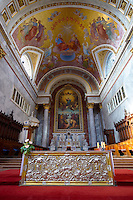 Interior of the Neo Classical (Klaszicista) Esztergom Basilica, Cathedral ( Esztergomi Bazilika ), Hungary.