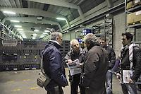 - assemblea dei lavoratori di tutte le fabbriche in crisi nella provincia di Milano presso l'azienda Maflow di Trezzano<br /> <br /> - meeting of workers of all factories in crisis in Milano province at Maflow company  in Trezzano