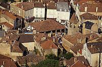 Europe/France/Aquitaine/24/Dordogne/Les Bastides du Périgord/Périgord Noir/Belvès: Le village  , Vue aérienne