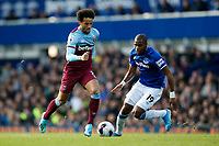 Felipe Anderson of West Ham United and Djibril Sidibe of Everton during the Premier League match between Everton and West Ham United at Goodison Park on October 19th 2019 in Liverpool, England. (Photo by Daniel Chesterton/phcimages.com)<br /> Foto PHC/Insidefoto <br /> ITALY ONLY