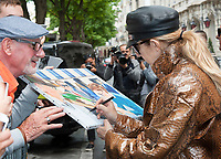 June 28th 2017- Paris, France - Singer CÈline Dion leaves the Royal Monceau Hotel on Avenue Hoche