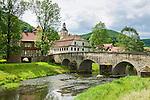 Germany; Free State of Thuringia, Belrieth near Meiningen: stone arch bridge across river Werra, built 1578   Deutschland, Thueringen, Belrieth bei Meiningen: steinerne Brücke ueber die Werra aus dem Jahr 1578