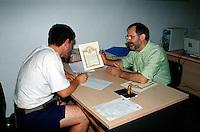 Spanien, Galicien,Santiago de Compostella, im Pilgerbüro
