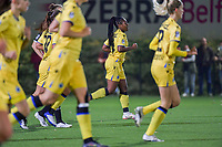 Esther Buabadi (24) of Club Brugge scores 0-1 and Club Brugge YLA can celebrate during a female soccer game between Sporting Charleroi and Club Brugge YLA on the sixth matchday in the 2021 - 2022 season of Belgian Scooore Womens Super League , friday 8 October 2021 in Marcinelle , Belgium . PHOTO SPORTPIX | STIJN AUDOOREN