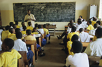 "Afrika Ostafrika Tanzania Tansania .Kinder bei HIV Aids Aufkl?rung Unterricht an Schule in Dar es Salam -  Gesundheit Pandemie Afrikaner afrikanisch afrikanischer Bildung bilden lernen Schulsystem Bildungssystem Schultafel xagndaz | .Africa East africa Tanzania .kids during HIV aids campaign at school in Dar es salam  - education health african children child learn study   .| [ copyright (c) Joerg Boethling / agenda , Veroeffentlichung nur gegen Honorar und Belegexemplar an / publication only with royalties and copy to:  agenda PG   Rothestr. 66   Germany D-22765 Hamburg   ph. ++49 40 391 907 14   e-mail: boethling@agenda-fototext.de   www.agenda-fototext.de   Bank: Hamburger Sparkasse  BLZ 200 505 50  Kto. 1281 120 178   IBAN: DE96 2005 0550 1281 1201 78   BIC: ""HASPDEHH"" ,  WEITERE MOTIVE ZU DIESEM THEMA SIND VORHANDEN!! MORE PICTURES ON THIS SUBJECT AVAILABLE!! ] [#0,26,121#]"