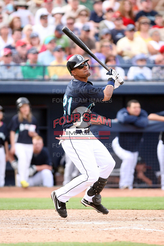 March 8, 2009: Franklin Guiterrez (21) of the Seattle Mariners at Peoria Sports Complex in Peoria, AZ.  Photo by: Chris Proctor/Four Seam Images