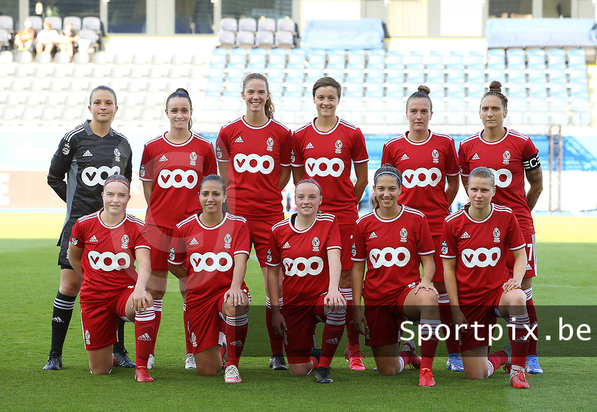 (Back row L to R) goalkeeper Hillary Damman (1) of Standard ,Loredana Humartus (3) of Standard, Hanne Merkelbach (25) of Standard, Maurane Marinucci (7) of Standard , Justine Gomboso (11) of Standard, Maud Coutereels (17) of Standard , front row Davinia Vanmechelen (10) of Standard , Vanity Lewerissa (21) of Standard , Zoe Van Eynde (14) of Standard , Laura Miller (9) of Standard and Aster Janssens (5) of Standard  pose for a team photo before a female soccer game between Oud Heverlee Leuven and Standard Femina de Liege on the third matchday of the 2021 - 2022 season of Belgian Womens Super League , Sunday 5 th of September 2021  in Leuven , Belgium . PHOTO SPORTPIX.BE | SEVIL OKTEM