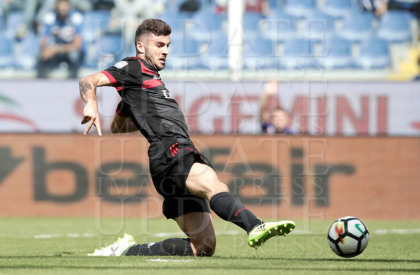 Calcio, Serie A: Genova, Stadio Luigi Ferraris, 24 settembre 2017. <br /> Milan's Patrick Cutrone in action during the Italian Serie A football match between Sampdoria and Milan at Genova's Luigi Ferraris stadium. September 24, 2017.<br /> UPDATE IMAGES PRESS/Isabella Bonotto