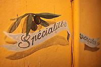 Europe/France/Provence-Alpes-Côte d'Azur/13/Bouches-du-Rhone/Aix-en-Provence: Détail enseigne d'une boutique de produits régionnaux