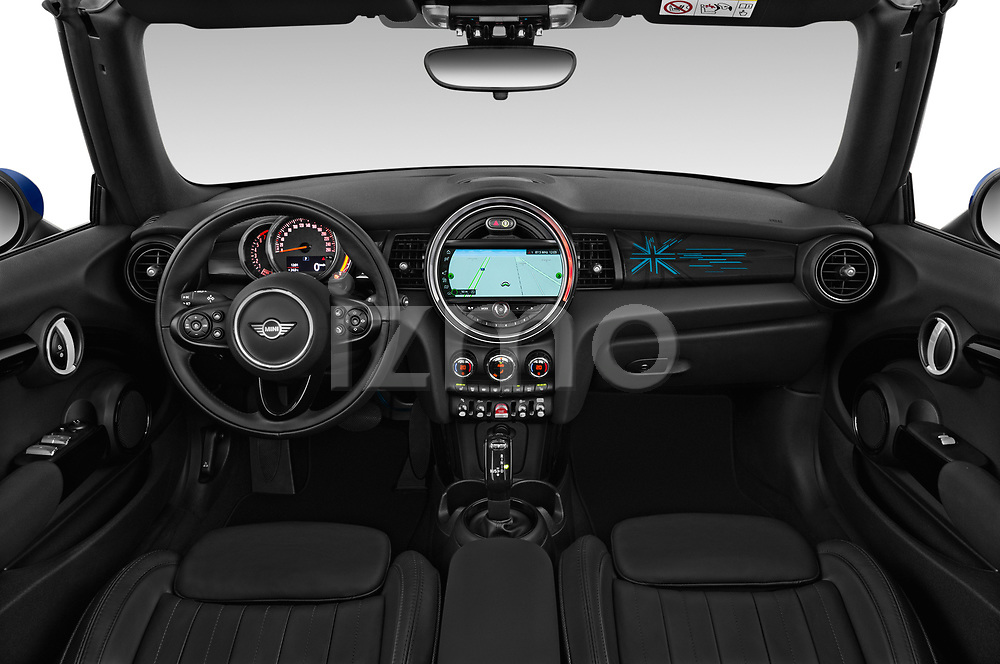 Stock photo of straight dashboard view of a 2018 Mini Mini Chilli 2 Door Convertible