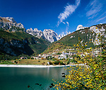 Italy, Trentino-Alto Adige, near Molveno: Lago di Molveno and Brenta Group or Brenta Dolomites | Italien, Trentino-Alto Adige, bei Molveno: Lago di Molveno und die Brenta (Gebirge)