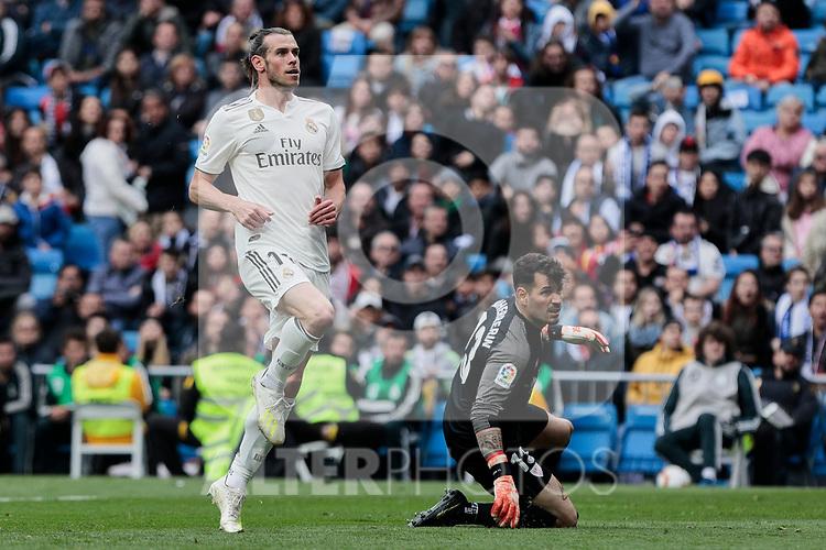 Real Madrid's Gareth Bale and Athletic Club de Bilbao's Herirerin during La Liga match between Real Madrid and Athletic Club de Bilbao at Santiago Bernabeu Stadium in Madrid, Spain. April 21, 2019. (ALTERPHOTOS/A. Perez Meca)