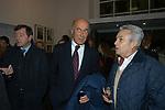 """LUPO RATTAZZI, JAS GAWRONSKI E ALBERTO ARBASINO<br /> VERNISSAGE """" A RIVEDERCI ROMA"""" DI PRISCILLA RATTAZZI<br /> GALLERIA MONCADA ROMA 2004"""