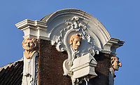 Nederland  Amsterdam - 31 december 2020. Singel. Grachtenpand. Bijnaam van het pand is Het Huis met de Neuzen.  Foto : ANP/ HH / Berlinda van Dam