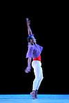 SOLO....Choregraphie : VAN MANEN Hans..Compositeur : BACH Johann Sebastian..Compagnie : Alvin Ailey American Dance Theater..Lumiere : CABOORT Joop..Costumes : DEKKER Keso..Avec :..BOYD Kirven J..Le : 14 07 2009..© Laurent PAILLIER / www.photosdedanse.com