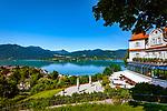 Deutschland, Bayern, Oberbayern, Tegernseer Tal, Tegernsee: oberhalb der Stadt liegt das neue Hotel & Spa Das Tegernsee, im Hintergurnd die Tegernseer Berge, die zum Mangfallgebirge gehoeren | Germany, Bavaria, Upper Bavaria, Tegernseer Valley, Tegernsee at Lake Tegern: the new Hotel & Spa Das Tegernsee, upon town with view across the lake towards the Mangfall mountains