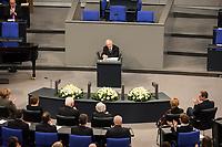 Gedenkstunde am 31. Januar 2018 im Deutschen Bundestag fuer die Opfer des Holocaust.<br /> Im Bild: Bundestagspraesident Wolfgang Schaeuble.<br /> 31.1.2018, Berlin<br /> Copyright: Christian-Ditsch.de<br /> [Inhaltsveraendernde Manipulation des Fotos nur nach ausdruecklicher Genehmigung des Fotografen. Vereinbarungen ueber Abtretung von Persoenlichkeitsrechten/Model Release der abgebildeten Person/Personen liegen nicht vor. NO MODEL RELEASE! Nur fuer Redaktionelle Zwecke. Don't publish without copyright Christian-Ditsch.de, Veroeffentlichung nur mit Fotografennennung, sowie gegen Honorar, MwSt. und Beleg. Konto: I N G - D i B a, IBAN DE58500105175400192269, BIC INGDDEFFXXX, Kontakt: post@christian-ditsch.de<br /> Bei der Bearbeitung der Dateiinformationen darf die Urheberkennzeichnung in den EXIF- und  IPTC-Daten nicht entfernt werden, diese sind in digitalen Medien nach §95c UrhG rechtlich geschuetzt. Der Urhebervermerk wird gemaess §13 UrhG verlangt.]