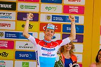 MEDELLIN - COLOMBIA, 15-02-2019: Bob JUNGELS (LUX), Deceuninck - Quick Step Floors (BEL), celebra como ganador de la cuarta etapa del Tour Colombia 2.1 2019 con un recorrido de 144 Km, que se corrió con salida y llegada en el estadio Atanasio Girardot de la ciudad de Medellín. / Bob JUNGELS (LUX), Deceuninck - Quick Step Floors (BEL), celebrates as winner of the fourth stage of 144 km of Tour Colombia 2.1 2019 that ran with start and arrival in Atanasio Girardot stadium in Medellin city.  Photo: VizzorImage / Anderson Bonilla / Cont