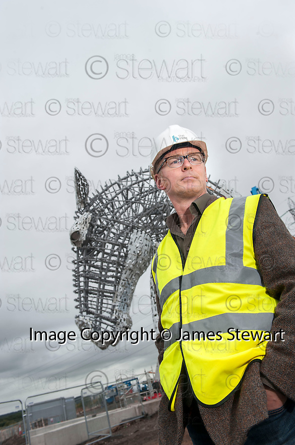 Sculptor Andy Scott makes a visit to the Helix site to get an insight on the progress of The Kelpie construction.