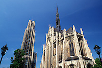 Pittsburgh, university, PA, Pennsylvania, Cathedral of Learning and Heinz Memorial Chapel at the University of Pittsburgh.