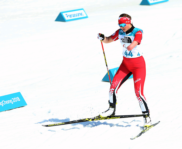 Brittany Hudak, PyeongChang 2018 - Para Nordic Skiing // Ski paranordique.<br /> Brittany Hudak competes in the women's 10km standing biathlon // Brittany Hudak participe au biathlon debout féminin de 10 km. 13/03/2018.