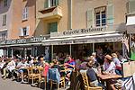 Frankreich, Provence-Alpes-Côte d'Azur, Saint-Tropez: Restaurants an der Hafen-Promenade | France, Provence-Alpes-Côte d'Azur, Saint-Tropez: restaurants at harbour-promenade