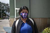 """CAJICA - COLOMBIA, 11-07-2020: """"La vida se me complico desde que comenzó el virus, yo no soy de acá y acostumbrarme a este pueblo y a conseguir el dinero vendiendo miel es muy duro para mí y para mi familia"""" Pilar Cardenas, 38 años, es su testimonio quien como la mayoría de trabajadores informales se ve obligado a salir a buscar el sustento diario para subsistir en medio de la cuarentena total en el territorio colombiano causada por la pandemia  del Coronavirus, COVID-19. / """"Life has been complicated for me since the virus started, I am not from here and getting used to this town and getting money selling honey is very hard for me and my family"""" Pilar Cardenas, 38 years old, is her testimony who like most informal workers, she is forced to go out to find daily sustenance to subsist in the midst of the total quarantine in Colombian territory caused by the Coronavirus pandemic, COVID-19. Photo: VizzorImage / Johan Rugeles / Cont"""
