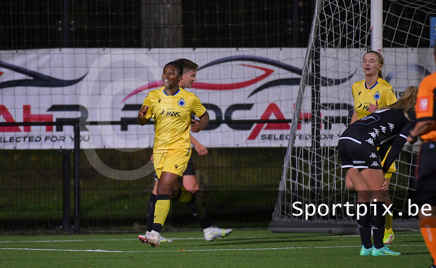 Esther Buabadi (24) of Club Brugge pictured celebrating after scoring a goal during a female soccer game between Sporting Charleroi and Club Brugge YLA on the sixth matchday in the 2021 - 2022 season of Belgian Scooore Womens Super League , friday 8 October 2021 in Marcinelle , Belgium . PHOTO SPORTPIX | STIJN AUDOOREN