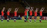 BOGOTÁ - COLOMBIA, 17-05-2018: Los jugadores de Club Atlético Independiente (ARG), antes de partido entre Millonarios (COL) y Club Atlético Independiente (ARG), de la fase de grupos, grupo G, fecha 5 de la Copa Conmebol Libertadores 2018, en el estadio Nemesio Camacho El Campin, de la ciudad de Bogota. / The players of Club Atlético Independiente (ARG), prior a match between Millonarios (COL) and Club Atletico Independiente (ARG), of the group stage, group G, 5th date for the Conmebol Copa Libertadores 2018 in the Nemesio Camacho El Campin stadium in Bogota city. VizzorImage / Luis Ramirez / Staff.