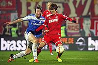 Peter Niemeyer (Darmstadt) gegen Yuya Osako (Koeln) - SV Darmstadt 98 vs. 1. FC Koeln, Stadion am Boellenfalltor