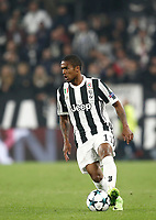 Football Soccer: UEFA Champions League Juventus vs Sporting Clube de Portugal, Allianz Stadium. Turin, Italy, October 18, 2017. <br /> Juventus' Douglas Costa in action during the Uefa Champions League football soccer match between Juventus and Sporting Clube de Portugal at Allianz Stadium in Turin, October 18, 2017.<br /> UPDATE IMAGES PRESS/Isabella Bonotto