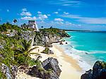 Mexiko, Yucatan, Quintana Roo, Tulum: Weisser Sandstrand unterhalb der Maya Ruinen | Mexico, Yucatan, Quintana Roo, Tulum: Beach below Mayan ruins
