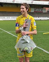 WB Sinaai Girls - Lommel United : huldiging Katrijn Windey.foto Joke Vuylsteke / Vrouwenteam.be