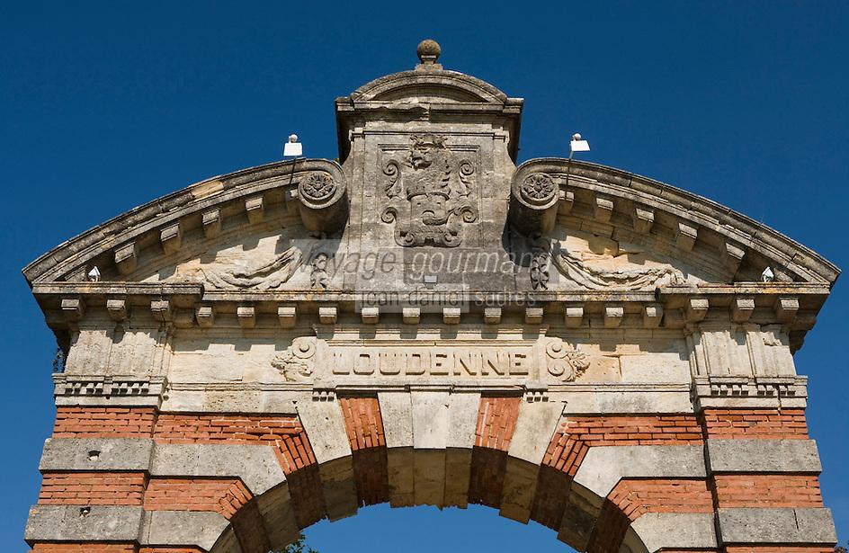 Europe/France/Aquitaine/33/Gironde/Saint-Yzans-de-Médoc: Château  Loudenne, Médoc Cru Bourgeois- Portail du   Château  Charteuse du 17ème siècle
