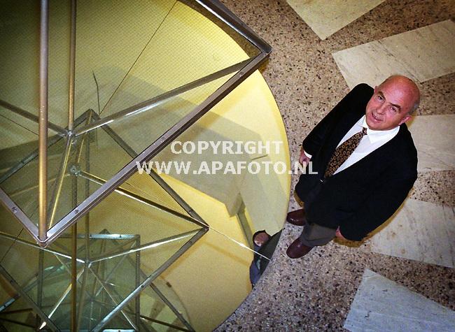 Arnhem,23-11-99  Foto:Koos Groenewold (APA-Foto)<br />Prof ir Krijgsman.
