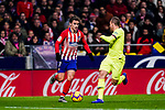 Arthur Melo of FC Barcelona (R) in action against Antoine Griezmann of Atletico de Madrid (L) during the La Liga 2018-19 match between Atletico Madrid and FC Barcelona at Wanda Metropolitano on November 24 2018 in Madrid, Spain. Photo by Diego Souto / Power Sport Images