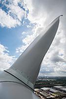 GERMANY, Hamburg, rotor blade of Siemens wind turbine / DEUTSCHLAND, Hamburg, Trimet Gelaende, Rotorblatt einer Siemens Windkraftanlage des kommunalen Stromerzeuger Hamburg Energie