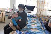 - 20 years from the nuclear incident of Chernobyl, pediatric oncologic hospital of Kiev, sick children victims of the radiations....- 20 anni dall'incidente nucleare di Chernobyl, ospedale oncologico pediatrico di Kiev, bambini ammalati vittime delle radiazioni